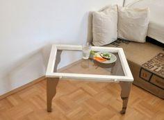 Stół z kartonowych nóg i blatu z okna
