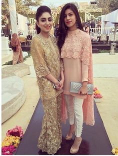 Wedding bridal party outfits rehearsal dinners 46 ideas for 2019 Pakistani Couture, Pakistani Dress Design, Pakistani Outfits, Indian Outfits, Trajes Pakistani, Stylish Dresses, Fashion Dresses, Pakistan Fashion, Desi Clothes