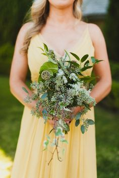 Rustic greenery: http://www.stylemepretty.com/2014/08/06/english-garden-inspired-wedding-in-southern-california/ | Photography: Chaz Cruz Photography - http://chazcruz.com/