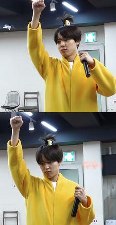 He looks like a little boy 💕 so sweet Park Ji Min, Jhope, Bts Jimin, Bts Bangtan Boy, Busan, Foto Bts, Jikook, Bts Memes, Mochi