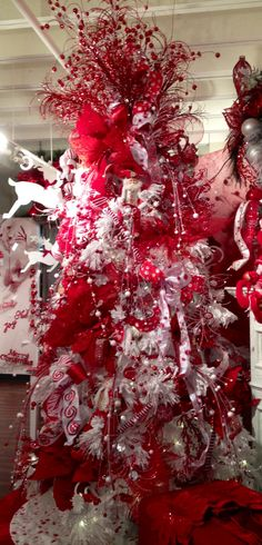 Red and white whimsical #Christmas Tree