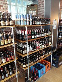 Cave à bières beer shop craft beer Wine Shop Interior, Alcohol Shop, Craft Beer Shop, Brew Shop, Liquor Shop, Brewery Design, Beach Stores, Beer Store, Bottle Shop