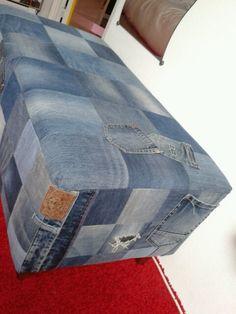 Stoere poef van oude jeans
