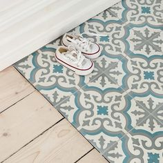 Thinking of installing ceramic floor tiles in your home? You have to read this guide to the pros and cons of ceramic floor tiles before doing anything!Moroccan-inspired blue, white and gray decorative ceramic floor tiles Ceramic Floor Tiles, Bathroom Floor Tiles, Kitchen Tiles, Kitchen Flooring, Ceramic Flooring, Tile Flooring, Wood Effect Floor Tiles, Tiled Floors, Bathroom Gray