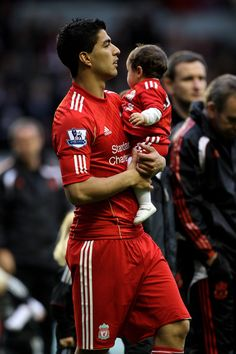 I love when players dress their babies in their kits
