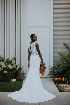 This stunning Chicago wedding portrait inspiration created by Allie Appel Photography features a refreshingly modern take on the downtown urban bride Wedding Dress Cost, Stunning Wedding Dresses, Wedding Dress Trends, Princess Wedding Dresses, Wedding Dress Styles, Beautiful Dresses, Wedding Gowns, Wedding Bride, Lesbian Wedding