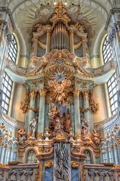 Altarpiece of the Dresden Frauenkirche, Germany Sacred Architecture, Baroque Architecture, Beautiful Architecture, Beautiful Buildings, Architecture Design, Beautiful Places, Classical Architecture, Aesthetic Art, Aesthetic Pictures