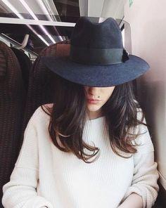 Chapeau de feutre large ruban