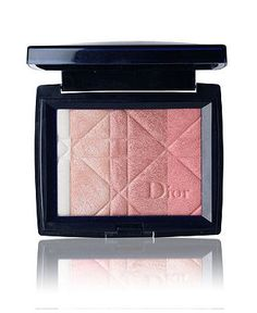 Ultra Shimmering All Over Face Powder by Dior on Dior Beauty Website. I think it was the first time I've ever completely used a Blush/Bronzer until there was nothing left. Star Makeup, Love Makeup, Makeup Looks, All Things Beauty, Beauty Make Up, Beauty Stuff, Perfume, Christian Dior Makeup, Smoky Eyes