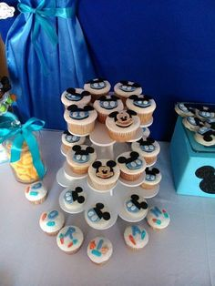 Baby shower invitations for boys disney 34 Trendy Ideas Baby Mickey Mouse Cake, Mickey Cupcakes, Mickey Mouse Baby Shower, Mickey Mouse 1st Birthday, Mickey Party, Baby Shower Table Centerpieces, Baby Shower Decorations For Boys, Baby Shower Themes, Baby Boy Shower