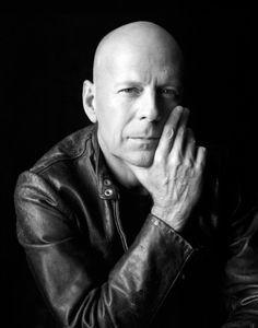 Bruce Willis, by Christian Witkin Portrait Photography Men, Photo Portrait, Photography Poses For Men, White Photography, Bruce Willis, Celebridades Fashion, Le Book, Photo Souvenir, Bald Men