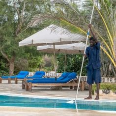 Luxury Kenya hotel on the coast at the Watamu Marine National Park, south of Malindi Airport. Charme, privacy, excellent dining, top tripadvisor selection.