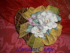 Cuore in rattan con fiori in volumik 3D