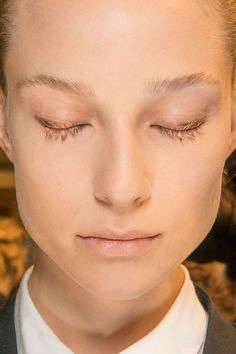 THE TOP BEAUTY LOOKS FROM PARIS FASHION WEEK: Veronique Branquinho - Peep the gilded eyeliner and mascara at Veronique Branquinho.