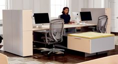 District Panel System - Teknion Office Furniture