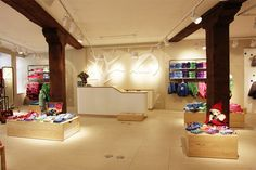 FINKID children clothing concept store by The Store Designers, Erfurt » Retail Design Blog Nice counter for kids...