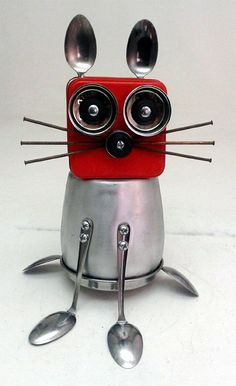 Creating Magic with Recycled Metal assemblage robot cat mouse Recycled Robot, Recycled Art, Repurposed, Metal Tree Wall Art, Scrap Metal Art, Found Object Art, Found Art, Metal Art Projects, Metal Crafts
