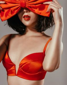 Damaris - Mimi Holliday | The Celcius V Bra in red silk - FW2015-16 Collection | Photo o2bra