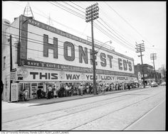 What is it about old pictures that is so compelling? A look back at Toronto as she grew to our great City of Light Bloor Street @ Bathurst - Honest Ed's Old Pictures, Old Photos, Vintage Photos, Toronto Pictures, Vintage Stuff, Toronto Ontario Canada, Toronto City, Canada Eh, Canadian History
