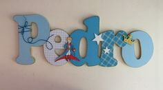 Nome em MDF, decorado em papel de scrap.  Pode ser utilizado para decorar quarto, porta de maternidade e festa infantil.  Fazemos no tema e nas cores desejadas R$60,00 Name Crafts, Letter A Crafts, Diy And Crafts, Wooden Names, Wooden Letters, Baby Boy Shower, Baby Shower Gifts, Baby Letters, Craft Corner