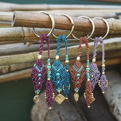 #macrame #keychain #makramee #schlüsselanhänger #sonyalpha6000 #sonya6000 #nature #bambus #madeinberlin #madewithlove #berlin #linhasita #gold #brass #accessories #micromacrame #anhänger #beads #boho #gipsy #gipsyjewelry #bohemianjewelry #colorful #bunt #etsy #etsyde #etsydeutschland #etsygermany
