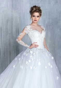 Most elegant wedding dresses and bridal gowns available at Beirut (Lebanon). Classic and trendy bridal dresses and wedding gowns at an affordable prices. White Wedding Gowns, Wedding Dress Train, Wedding Dresses 2018, Elegant Wedding Dress, Bridal Dresses, Gown Wedding, Lace Wedding, Prom Dresses, Dresses 2016