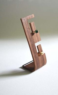 Looking to obtain helpful hints regarding wood working? http://www.woodesigner.net has these!