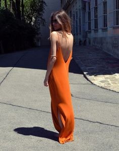 Robe longue tangerine, grand dos nu V - Les Cachotières Looks Style, Style Me, Style Hair, Gypsy Style, Look Girl, Mode Outfits, Skirt Outfits, Mode Inspiration, Fashion Inspiration