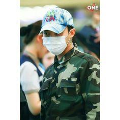 "160826 "" @xxxibgdrgn G-Dragon at Gimpo airport off  to Japan  Cr:on pic #GD #GDragon #BIGBANG  #KWONJIYONG  #jiyong #지드래곤 #지용 #vip #seungri #Taeyang #choiseunghyun  #kpop #daesung  #bigbangvip #권지용 #topi  #kangdeasung #seungriseyo #빅뱅  #gtop  #dlite  #sol #vi #xxxibgdrgn  #yb #gdyb #bigbanggd #bigbangtop #지디 #탑"