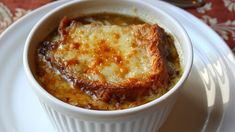 American French Onion Soup from Food Wishes - souper easy - ha! Gazpacho, Muesli, Healthy Recipes, Cooking Recipes, Easy Cooking, Tofu, Healthy Breakfast Bowl, Classic French Onion Soup, Onion Soup Recipes