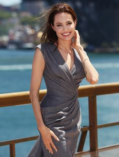Wow! Angelina Jolie stunned at the Unbroken photo call