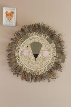 Wanddecoratie gemaakt van een placemat. Placemat, Hand Fan, Home Appliances, Van, Mirror, Furniture, Home Decor, Style, House Appliances