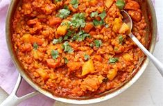 Kari z červené čočky/ red lentils curry Meat Recipes, Gluten Free Recipes, Cooking Recipes, Lentil Curry, Chana Masala, Lentils, Food Inspiration, Macaroni And Cheese, Clean Eating