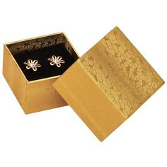 Square Earring Boxes in Gold, Black or White. Velour pad included. #jewelrypackaging #earringboxes #boxes