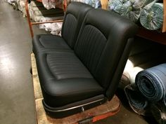 Perfect seats Ford Interior, Custom Car Interior, Truck Interior, Interior Trim, Car Interior Upholstery, Automotive Upholstery, Leather Bench Seat, Hot Rod Pickup, Antique Trucks