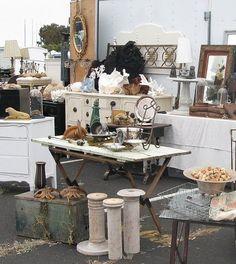 Flea market display ideas flea market flea market booth, flea m Flea Market Displays, Flea Market Booth, Flea Market Style, Flea Market Finds, Store Displays, Jewelry Displays, Retail Displays, Merchandising Displays, Antique Market