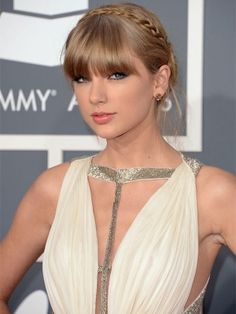 Best Hair at the 2013 Grammy Awards   Taylor Swift