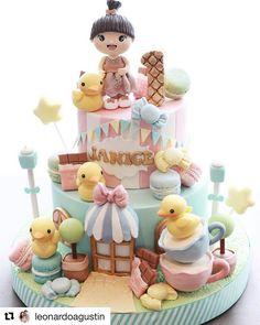 "851 Me gusta, 6 comentarios - CFORCUPCAKES by Clara (@cforcupcakes) en Instagram: ""#Repost @leonardoagustin (@get_repost) ・・・ 1 year journey shows us, @janicevalencialie loves ducks…"""
