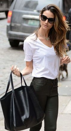 I love wearing like this. It is simple and gorg. #stylecomments