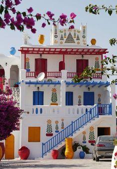 Ein farbenfrohes Haus auf Mykonos, Griechenland
