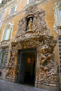 The Ceramics Museum of Valencia, Spain. What an entrance or Portal! Beautiful Buildings, Beautiful Places, Architecture Cool, Magic Places, Valencia Spain, Spain And Portugal, Door Knockers, Doorway, Windows And Doors
