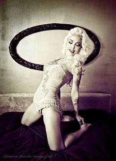 Masuimi in Vintage Burlesque Costume