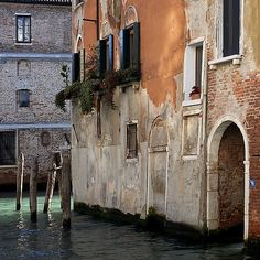 Canal in the Cannaregio, Venice by Rita Crane Photography, via Flickr (great photographer!)
