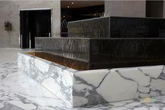Rey Juan Carlos Hotel fountain.  EDL SCULPTURES @hreyjuancarlosi  #edl #edlcreativewater #edldesign #edlwater #water #edlsculptures #sculpture #sculptures #sculpturewater #sculputuredesgin #sculpturefountain #design #architecture