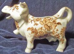 Staffordshire cow creamer1