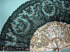 Fan with black Chantilly lace and carved, pierced and gilded mother-of-pearl sticks 1870