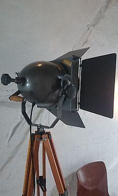 Tripod Stativ Steh Lampe Film Scheinwerfer Theater Spot Industrie Design Loft
