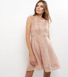 AX Paris - Robe rose pâle à détail échelle | New Look