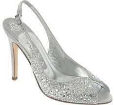 Google Image Result for http://www.weddingku.pro/wp-content/uploads/2012/11/The-versatility-of-silver-wedding-shoes-elite-wedding-looks.jpg