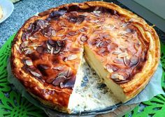 Recipe for fit cheesecake with cottage cheese. How to prepare a healthy dessert for the whole family. Healthy Desserts, Healthy Recipes, Allergies Alimentaires, Low Calorie Breakfast, Recipe Images, Food Allergies, Food Hacks, Sweet Recipes, Good Food
